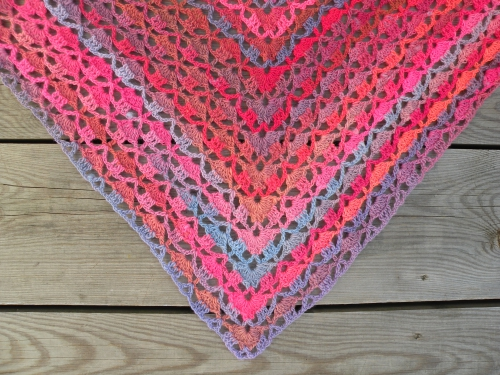 POINTE tranquility shawl rosefeedesbelleschoses.JPG