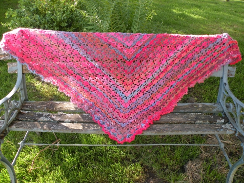 mille colors shawl from rosefeedesbelleschoses.JPG